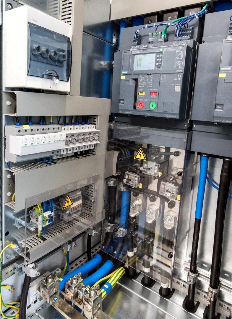 12. Schaltanlage NSHV Leistungsschalter